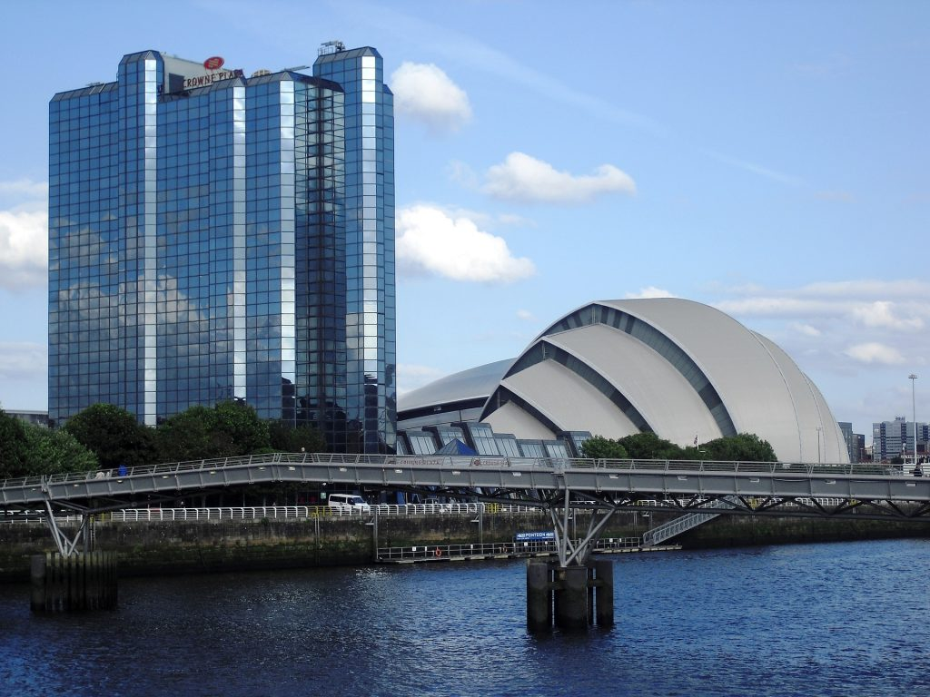 Alistair's Taxis offers city centre taxi transfers to the Highlands of Scotland